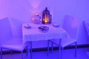 17-centro-benessere-villa-habib-dettaglio-tavolino
