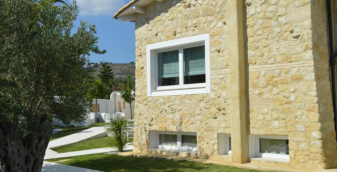 villa-habib-catanzaro-albero-esterno